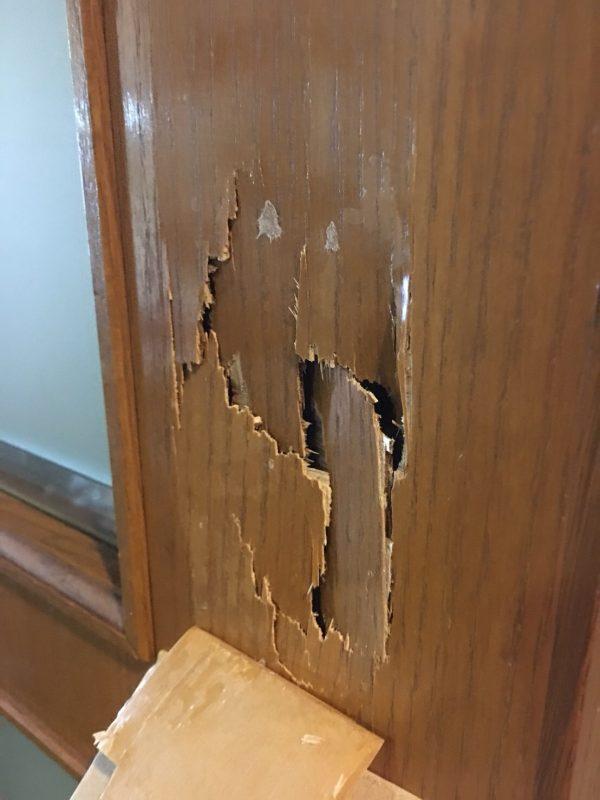 木製建具の陥没
