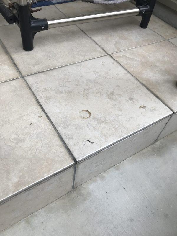 玄関タイル割れ補修